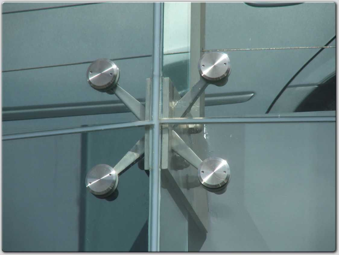 Glass Wall: Glass Wall Facade - Spider Fittings